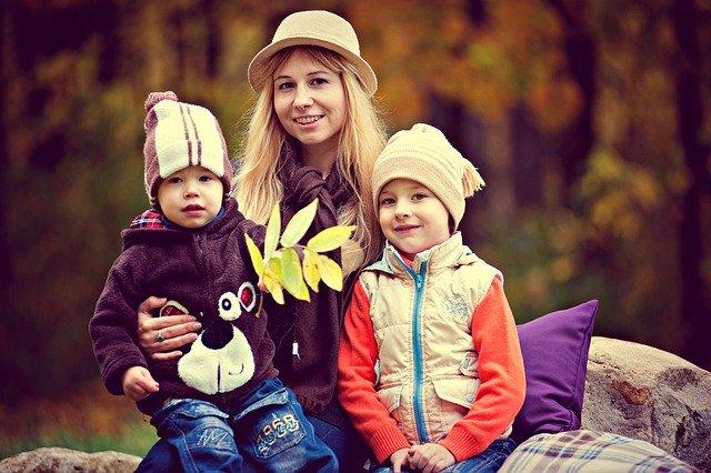 ママと二人の子供